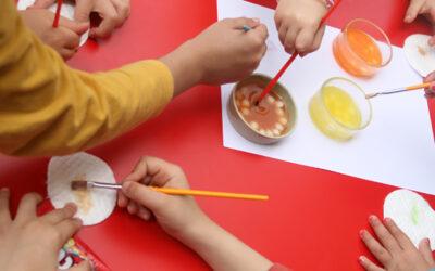 ממתק צבעוני · צובעים עם סוכריות